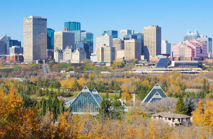 Alberta Immigration Invites 100 Express Entry Candidates With Scores As Low As 300