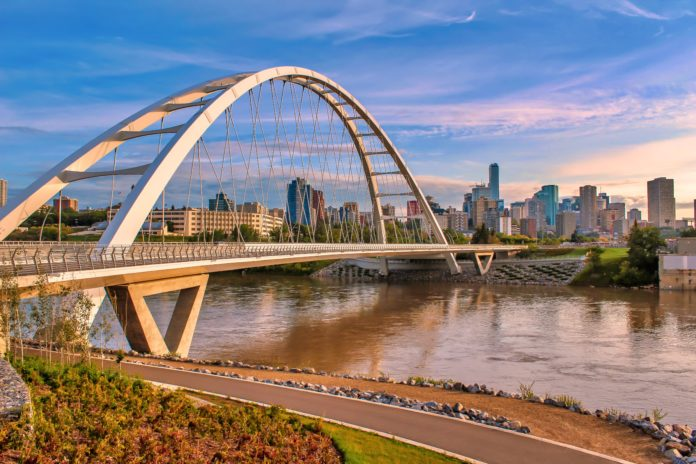 Alberta Invites 100 Candidates With Minimum CRS of 360 In New Express Entry Draw