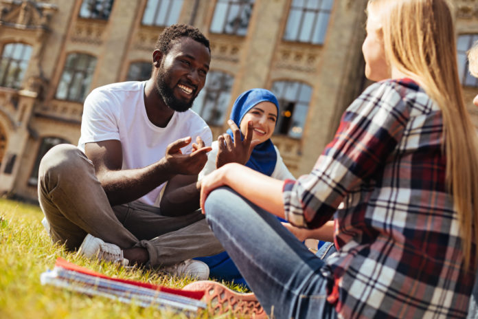 Successful COVID-19 vaccination program drawing international students to Canada, study reveals